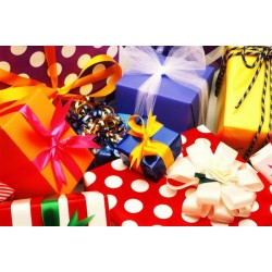 Подарки и товары к праздникам